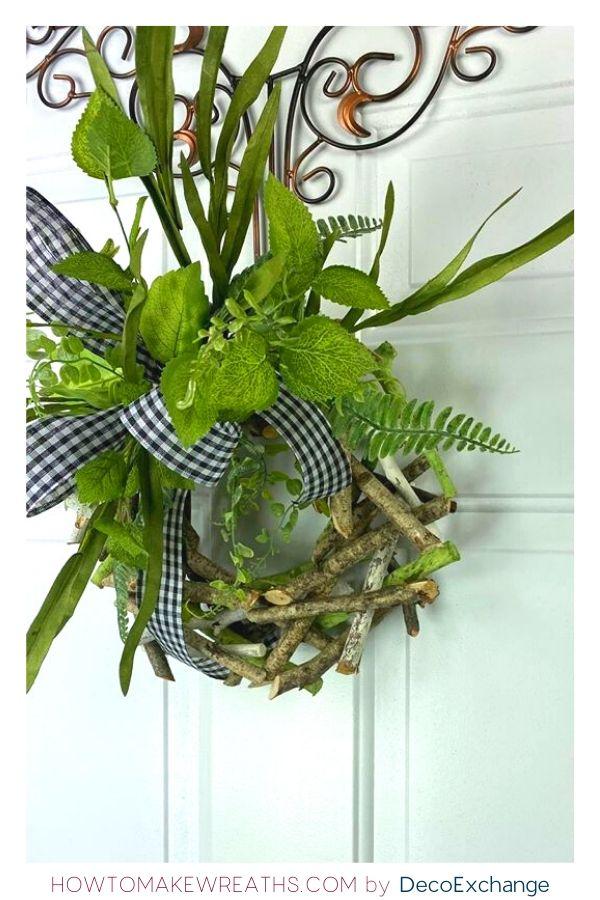 Easy Birch Wreath in under 10