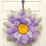 Use the UITC Board To Make a Mesh Flower Wreath