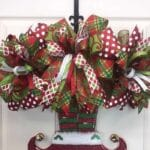 How to Make a Christmas Door Hanger